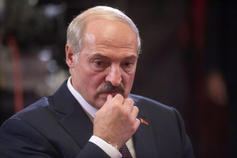 Лукашенко сказав, коли у Білорусі з'явиться COVID-вакцина власної розробки
