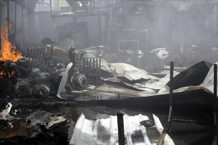 Во время пожара в центре содержания мигрантов в Йемене погибли 60 человек
