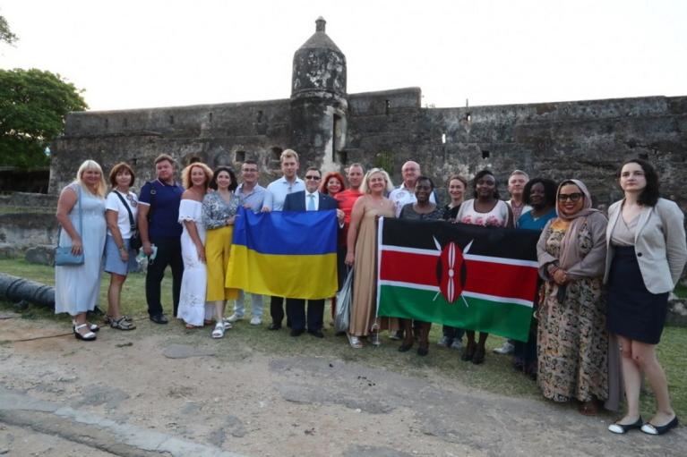 Украиноязычный аудиогид от Зеленской добрался до Кении