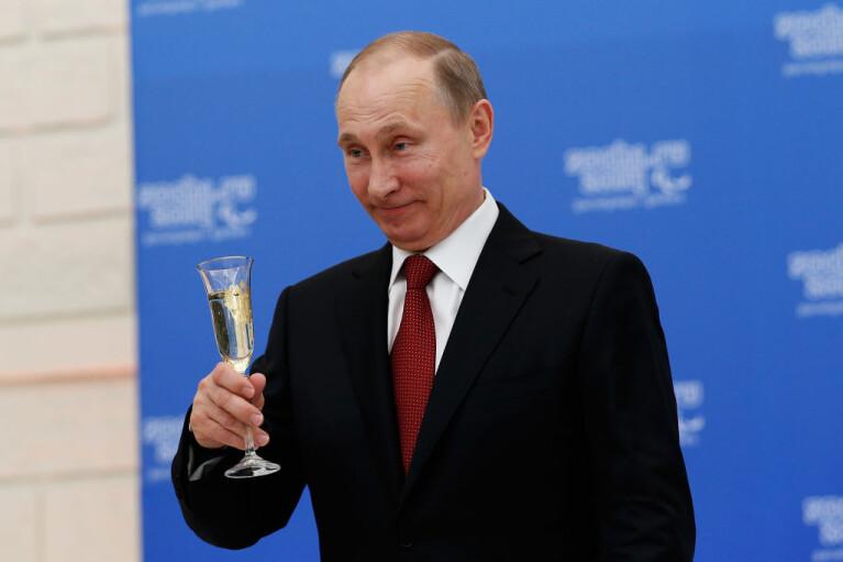 Небезгрешный. Кто и зачем инспирирует сливы из личной жизни Путина