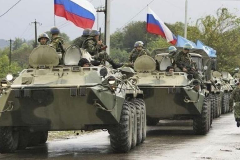 Кремль готовит наступление: в США показали новые фото техники у границ Украины