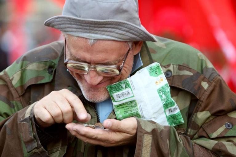 Вице-премьер РФ предложил пенсионерам работать на стройках