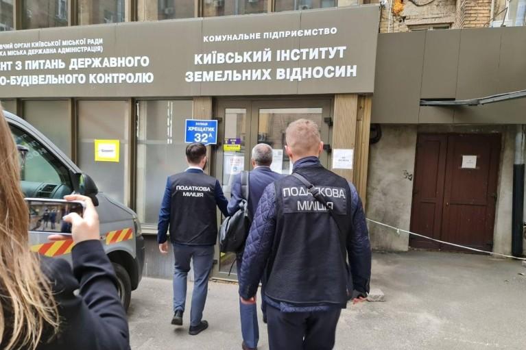 Странные обыски в КГГА. Зачем Зеленский напросился на ответный удар от Кличко