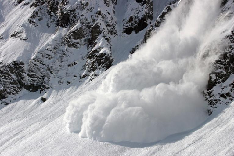 В Альпах туристов накрыла лавина, есть погибшие