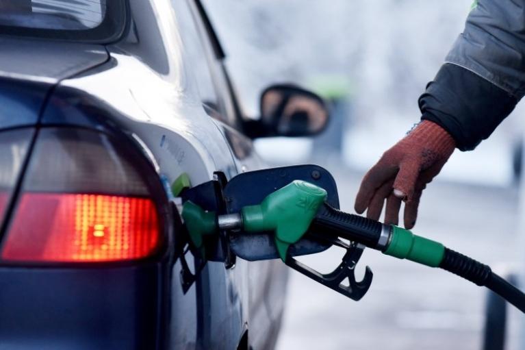 Медведчук под арестом, перестановки в Кабмине и госрегулирование цен на топливо. Главные события страны 10—16 мая