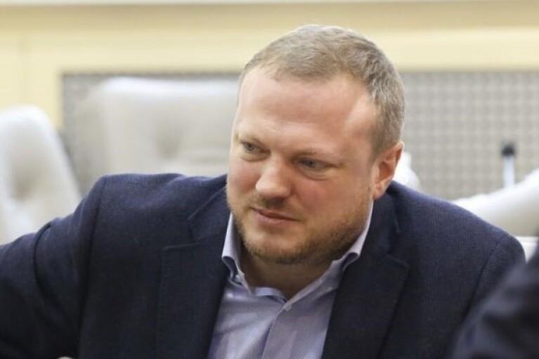 ЗМІ: Святослав Олійник перед звільненням з Дніпроблради роздав контракти на десятки мільйонів гривень своїм компаніям