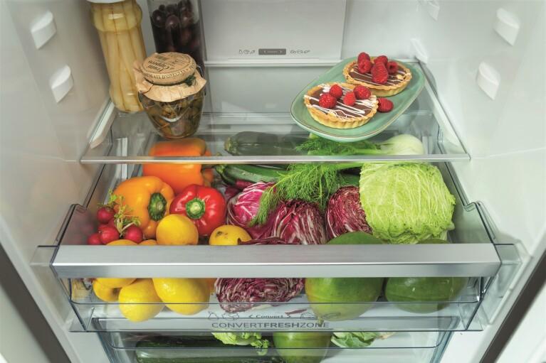 Холодильники Gorenje дозволяють зберігати свіжість продуктів набагато довше завдяки функціям IONізації і AdaptTech