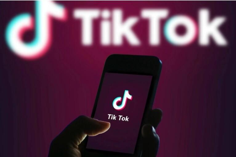 Борис, ты неправ. Почему Трамп отдает TikTok Microsoft и как этому мешает его британский друг