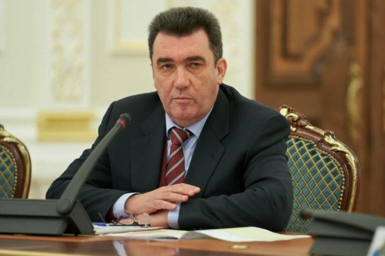 Данилов заверил, что Украина готова ответить на эскалацию на границе