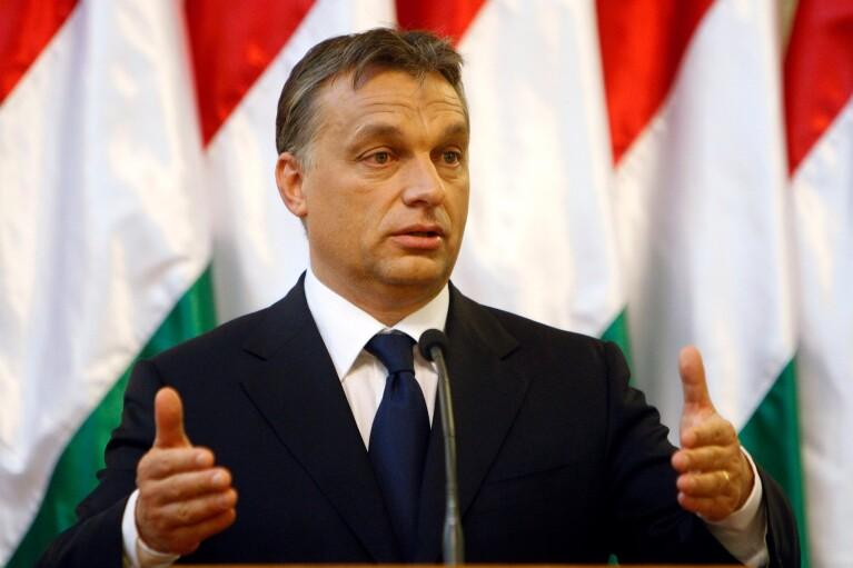 """В кафе и рестораны в Венгрии теперь можно будет сходить только с """"паспортом вакцинации"""""""