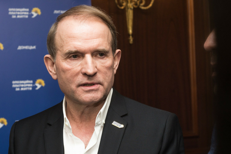 Обыски и подозрение: Медведчук сделал заявление