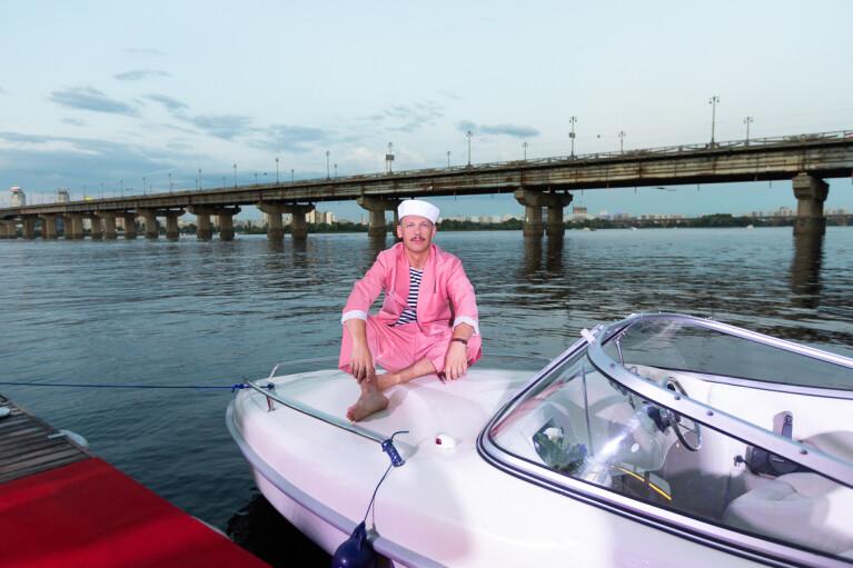 В Киеве появился сервис авторских прогулок по Днепру — Sparkling Boat