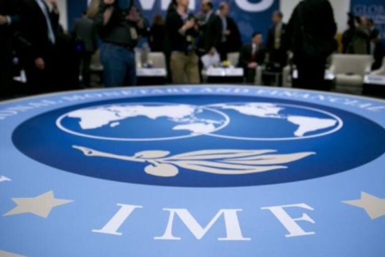 Кругом вороги. Яка зла сила заважає Зеленському отримати гроші МВФ