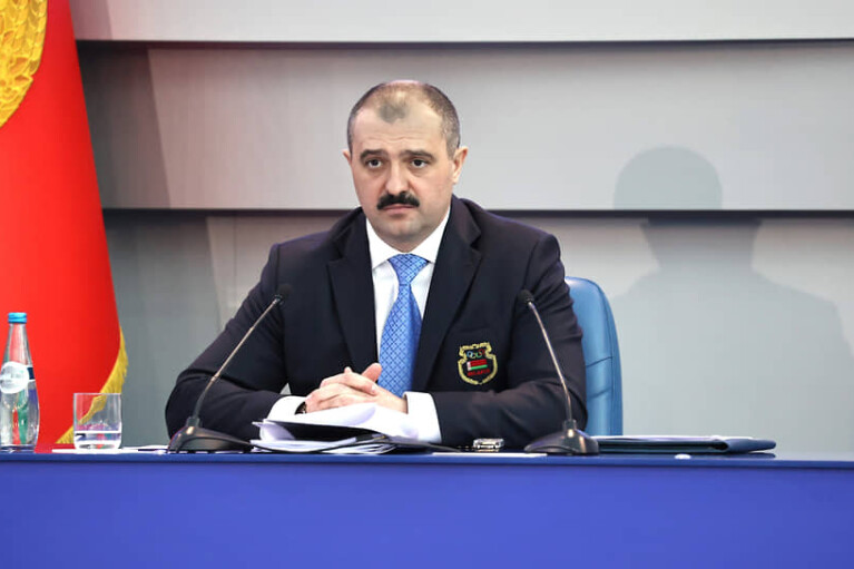 """Син Лукашенка пішов по стопах батька і теж не став """"президентом"""""""