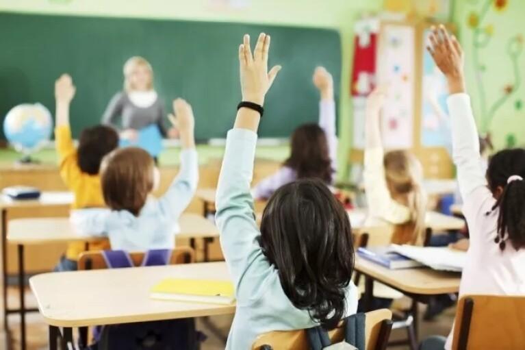 """""""Безопасное детство"""": МВД собирается усилить полицейское присутствие в школах"""