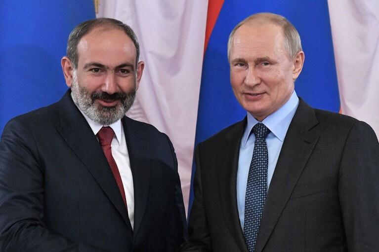 Пашинян просит Путина оказать Армении военную помощь