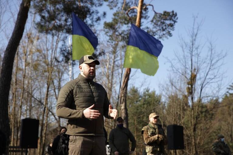 """Російські війська на кордоні: """"Нацкорпус"""" провів військові навчання на Київщині"""