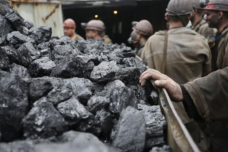 Большой передел. Кто и как теперь будет торговать углем из ОРДЛО