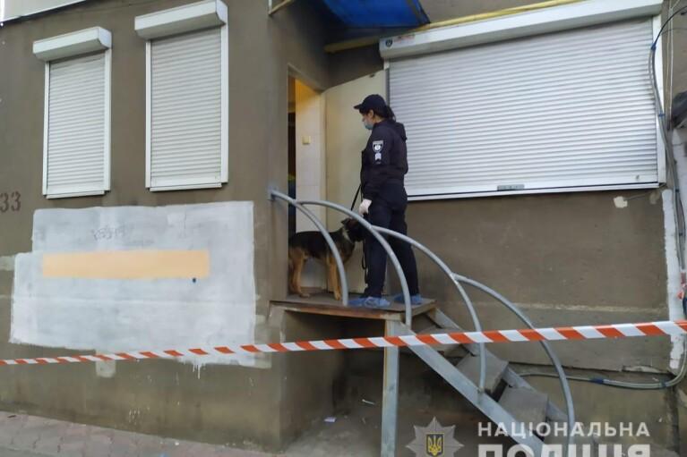 Девушку-фармацевта зарезали в одесской аптеке (ФОТО)