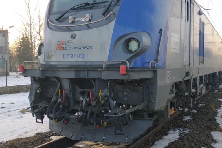 В Польше поезд влетел в локомотив: есть пострадавшие