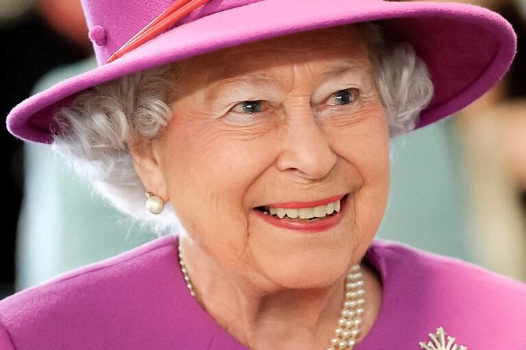 Елизавета II в парламенте расскажет, как правительство Британии планирует бороться с последствиями пандемии