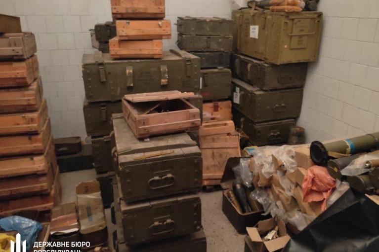 """На территории роты полиции """"Кривбасс"""" обнаружены десятки гранатометов и сотни гранат, которые не были на учете"""