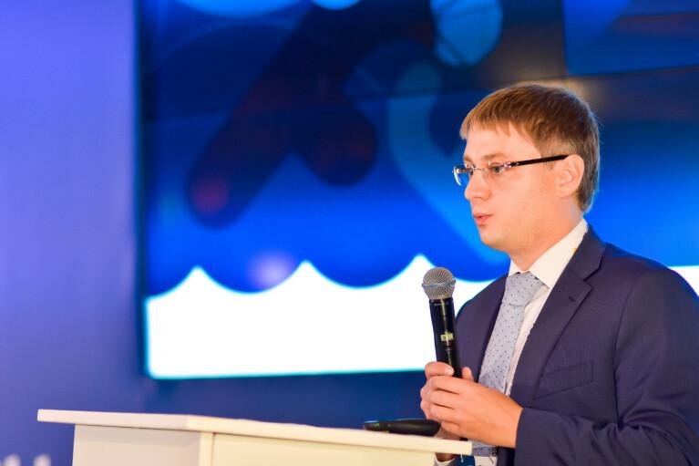 Неэффективная вакцинация может замедлить восстановление экономики – Константин Стеценко