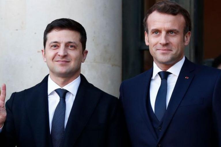 Зеленский предложил Макрону подписать декларацию о поддержке Украины на пути в ЕС