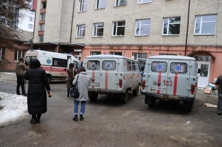 Пострадавший от пожара в больнице Черновцов находится в тяжелом состоянии