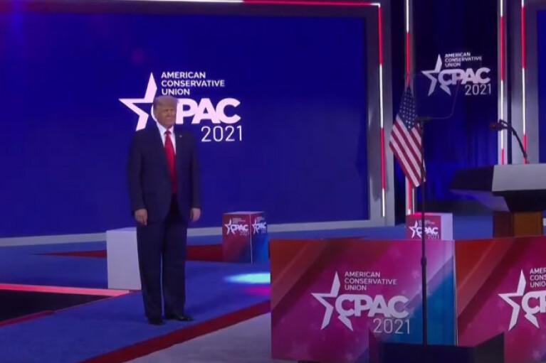 Трамп громко напомнил о себе выступлением в Орландо (ВИДЕО)