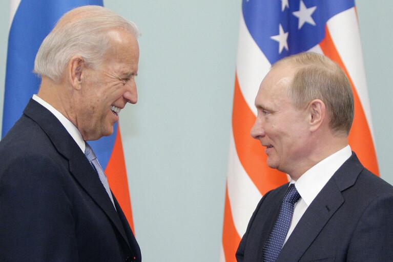 Поцілунок Зеленського. Як Путін буде доводити Байдену, що він — (не) кілер