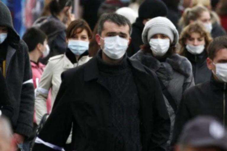 За добу коронавірус виявили у менше 7 тисяч українців