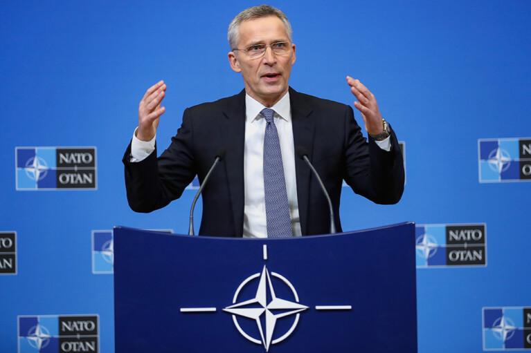 В НАТО заверили, что не собираются ослаблять давление на Россию