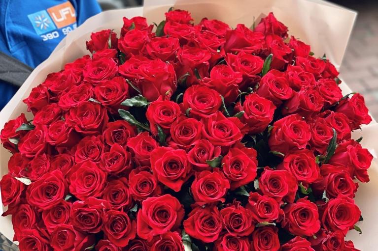 Служба доставки квітів UFL розширює онлайн-можливості