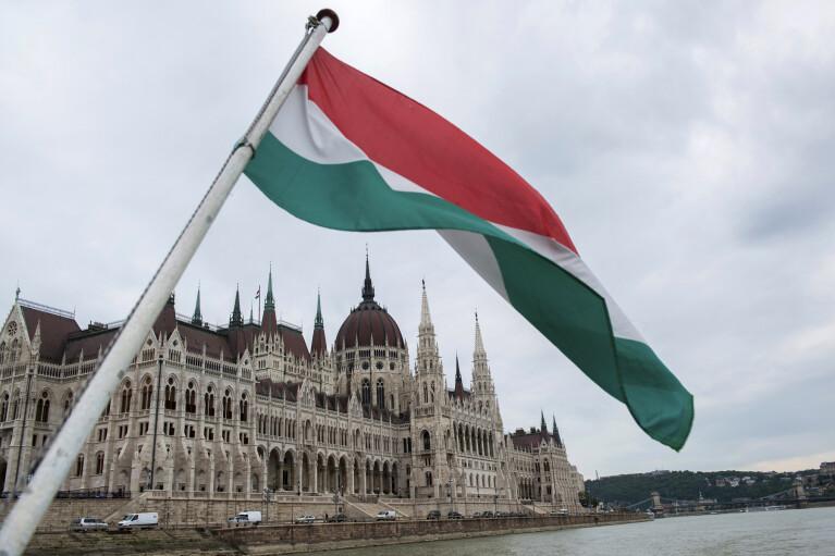 Мікулаш скінчився. Чим завершиться новий раунд протистояння України та Угорщини