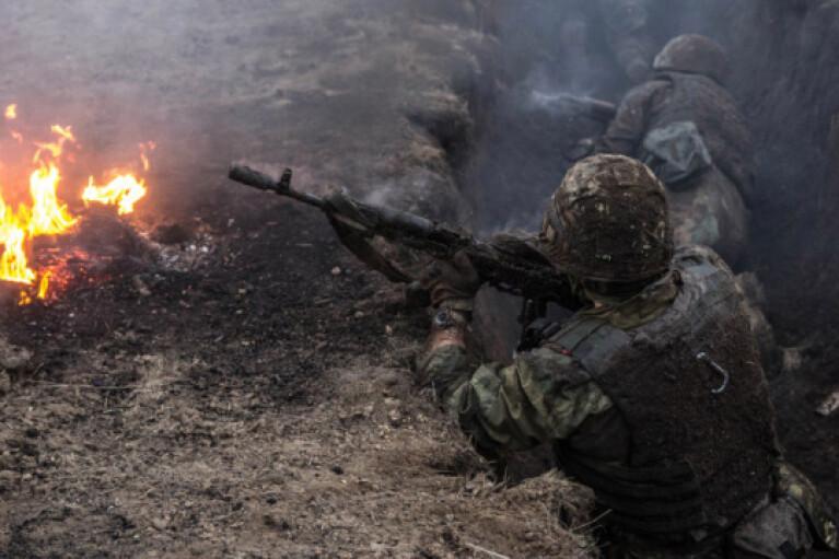 Боевики трижды открывали огонь на Донбассе, ранен украинский защитник