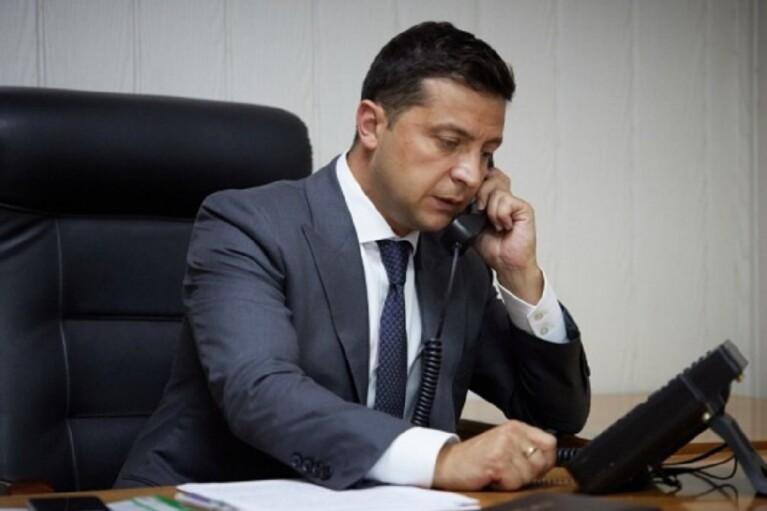 НАПК начало проверку доходов Зеленского и Шмыгаля