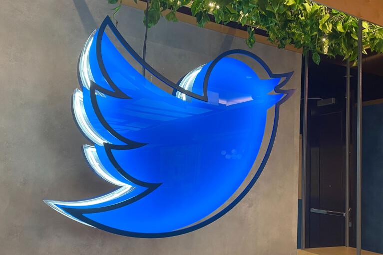 Twitter візьметься відзначати повідомлення з фейками про вакцини від коронівирусу