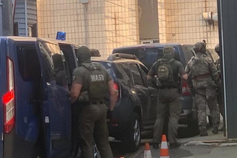 """Спецназ НАБУ заблокував будівлю СБУ і намагається """"відбити"""" Чауса, — ЗМІ (ФОТО, ВІДЕО)"""