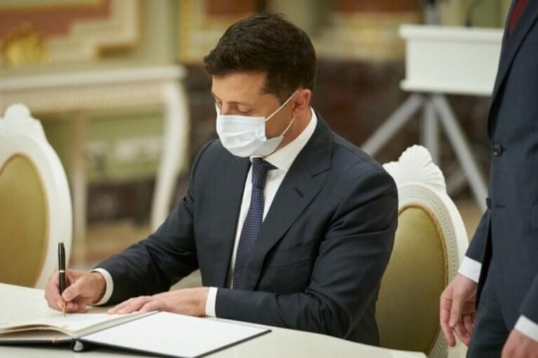 Зеленский одобрил ужесточение наказания для виновников пожаров