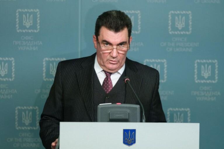 СНБО продолжил ряд персональных санкций, которые были введены три года назад