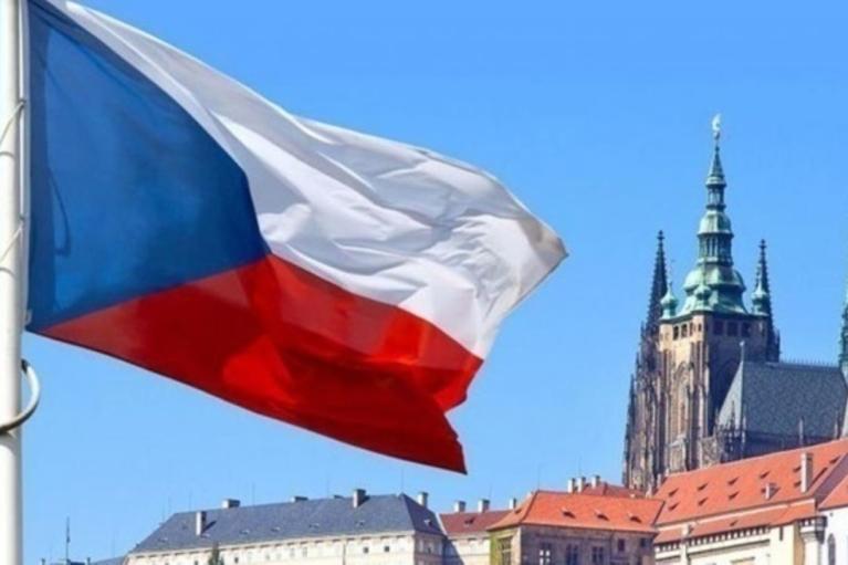 Чехія запропонувала притулок атлетці з Білорусі, яку ледь не викрали з Токіо