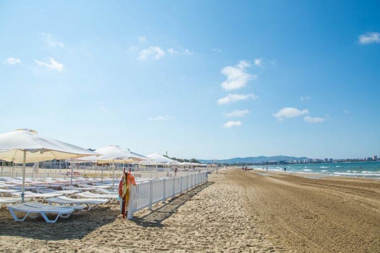 На курорти в Краснодарському краї РФ з 1 серпня пускатимуть тільки щеплених від COVID-19