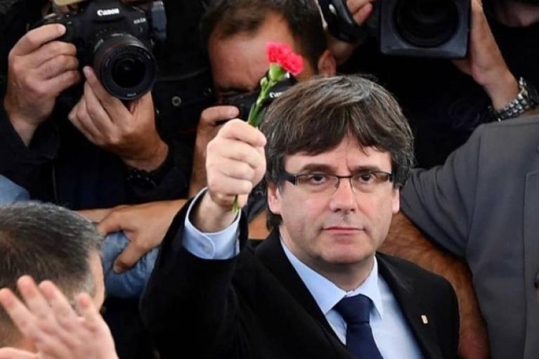 Бывший глава правительства Каталонии Пучдемон задержан на Сардинии