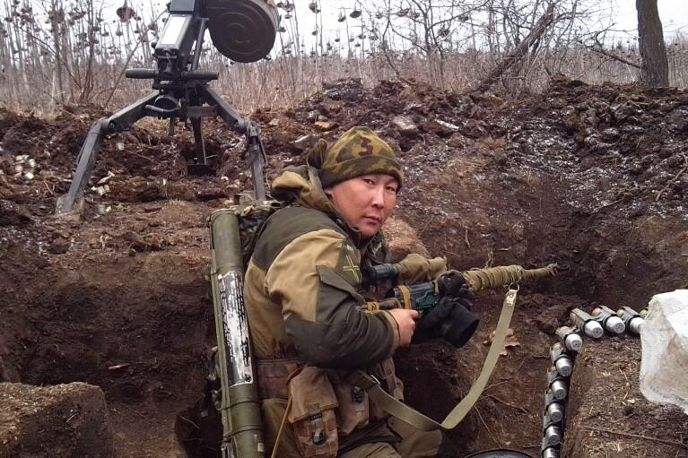 """День на Донбассе: боевики применяли """"тяжелые"""" минометы и ПТРК"""