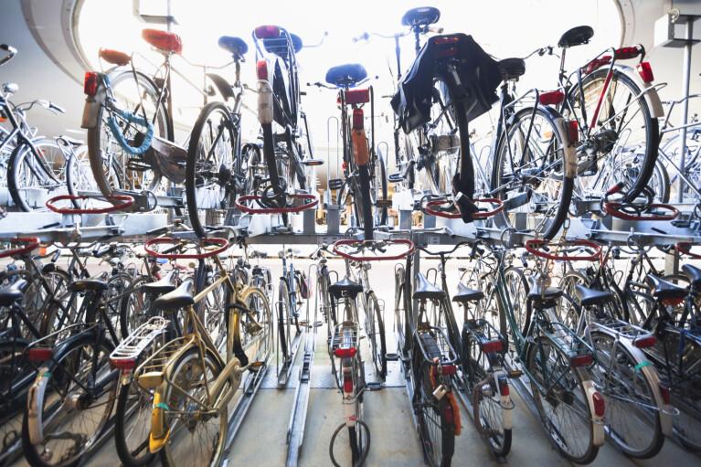 """Двухколесный дефицит. Как велосипед для жителей """"первого мира"""" стал важнее авто"""