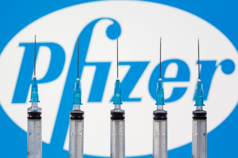 """9 тисяч """"зіпсованих"""" доз Pfizer можуть направити на щеплення наступного тижня"""