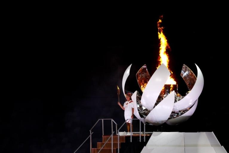 Соревнования официально открыты: в Токио загорелся Олимпийский огонь (ФОТО, ВИДЕО)