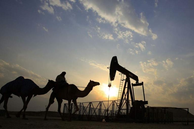 В Кувейте загорелось одно из крупнейших месторождений мира (ВИДЕО)