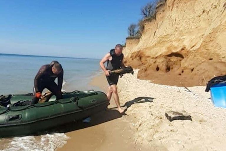 Под Одессой нашли затонувшее судно со снарядами времен Второй мировой войны (ФОТО)
